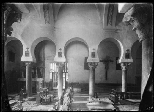 Interior de la iglesia [Material gráfico]